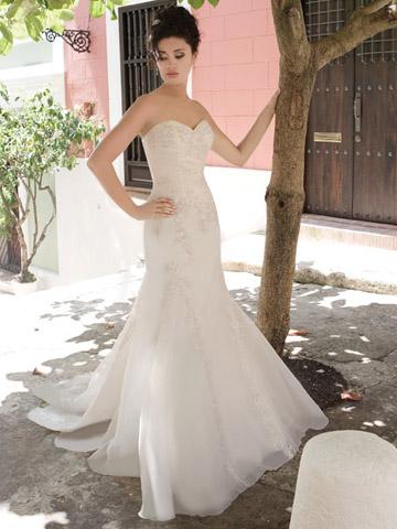 فساتين زفاف من demetrios