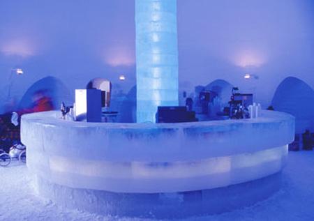 فندق مصنوع من الثلج