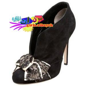 احذية بنات الحائرة - صور غريبة