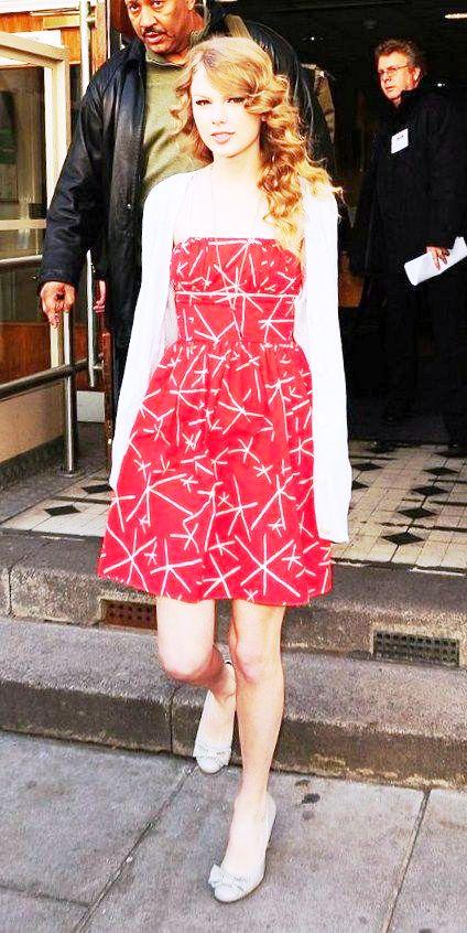 Fashion Taylor Swift أزياء تايلور سويفت