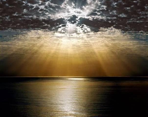 صور رائعة لجمال السماء وصفاء الماء