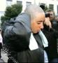 فتاة فرنسية تحلق شعرها احتجاجا على منع الحجاب